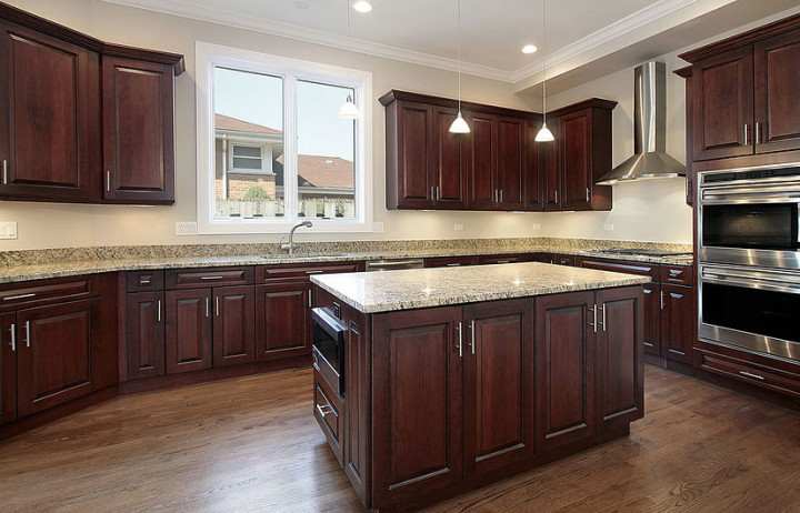 Kitchen cabinets kitchen renovations kitchen design for Remodel kitchen without replacing cabinets